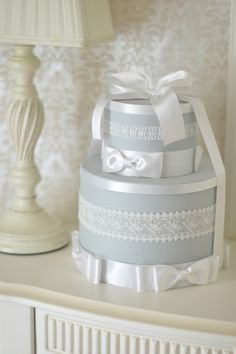 Diaper Cake by Chikako Otsuka, Floral New York. http://www.floralnewyork.jp/school/special/diapercake/