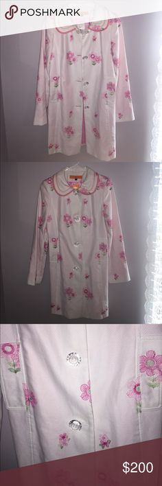Cynthia Steffe coat Size small new with tags white coat with beautiful flowers embroidery . Anthropologie Jackets & Coats Pea Coats