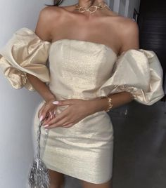 Classy Dress, Classy Outfits, Stylish Outfits, Elegant Dresses, Pretty Dresses, Beautiful Dresses, Mode Glamour, Look Fashion, Fashion Design