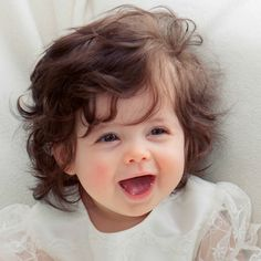 So ein fröhliches kleines Baby Cute Baby Boy Photos, Cute Baby Girl Names, Cute Kids Photos, Cute Little Baby Girl, Baby Girl Images, Baby Boy Pictures, Cute Baby Girl Wallpaper, Cute Babies Photography, Gorgeous Girl