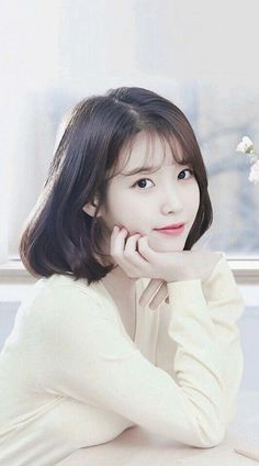 When you care for your hair your whole life changes. Good hair tells other people that you are put together. Few people can resist or deny the appeal of a Iu Short Hair, Korean Short Hair, Korean Girl, Asian Girl, Short Hair Styles, Iu Hair, Korean Beauty, Asian Beauty, Oppa Gangnam Style