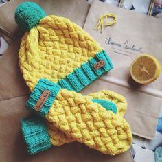 Wool knitted hat and mittens (#svetlanaselivanova)