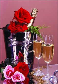 Champagne e rose Happy Birthday Flower, Happy Birthday Wishes, Birthday Greetings, Birthday Cards, Wine Bottle Images, Mosaic Pictures, Small Paintings, Beautiful Roses, Colored Diamonds