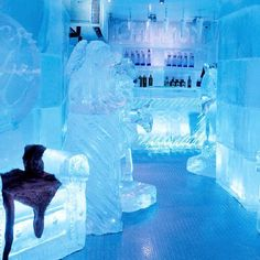PARENTING GONE MAD: ICE LOUNGE. Move over Las Vegas, London & Rome! We Melburnians now have our own Ice Lounge! Located in Southbank, we are literally entombed in freezing cold ice….what better way to spend our already cold winters. Ice Lounge is not just a bar for adults but a venue suitable for families and children's parties. Enjoy sitting on carved deep sea creatures whilst sipping Arctic inspired mocktails!