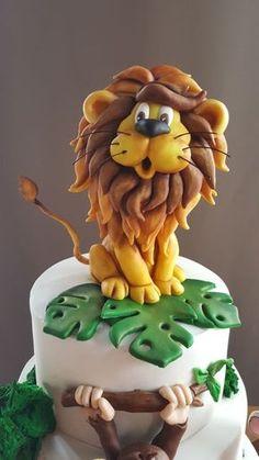 Safari birthday cake - cake by Şule - CakesDecor Jungle Safari Cake, Jungle Birthday Cakes, Jungle Theme Cakes, Safari Cakes, Novelty Birthday Cakes, First Birthday Cakes, Fondant Cake Toppers, Fondant Figures, Bolo Sporting