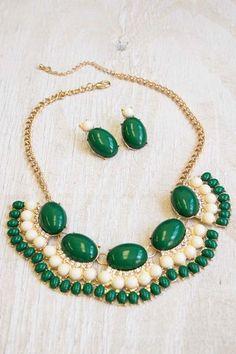 Emerald Green Jewel Fan Statement Necklace #green #jewelry #necklace www.loveitsomuch.com