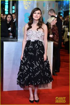 Keira Knightley in a Giambattista Valli Couture dress, Rupert Sanderson heels, Chanel jewelery, and a Judith Leiber clutch.