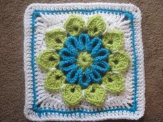 "Simple 10-Petal Afghan Square /  9"" square / FREE CROCHET pattern"