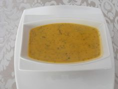 Salsa de tomillo y orégano. Ver la receta http://www.mis-recetas.org/recetas/show/40267-salsa-de-tomillo-y-oregano
