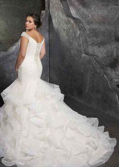 Plus Size Wedding Gowns, Wedding Dresses Photos, Bridal Wedding Dresses, Wedding Dress Styles, Designer Wedding Dresses, Tulle Wedding, Spring Wedding, Dress Picture, Perfect Wedding Dress