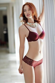 ELEGANCE Light push up lace bra with lace thong