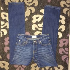 """Paper Denim & Cloth bootcut jeans size 27 These are in great shape. The tag has rubbed off the label to see the size but they are 27. Has one flaw on the left back pocket. It's two tiny dots (hardly noticeable) that were paint. Other than that they are like new! 30""""inseam Papercloth denim  Jeans Skinny"""