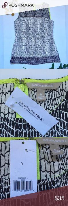 🎉NWT Banana Republic Top🎉 This top is brand new and is perfect for the office or just with a pair of jeans! Feel free to make and offer and comment any questions below ❤️ bundle for 20% off! Banana Republic Tops Blouses