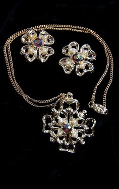 Vintage Gold Tone Pearl & Crystal Necklace/Earring Set