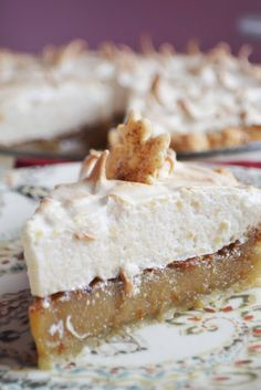 New favorite pie! the Sugar Cream Pie also known as a Hoosier Pie. Growing up we I ate a lot of Mrs. New favorite pie! the Sugar Cream Pie also known as a Hoosier Pie. Growing up we I ate a lot of Mrs. Brownie Desserts, Köstliche Desserts, Delicious Desserts, Meringue Desserts, Plated Desserts, Yummy Food, Yummy Treats, Sweet Treats, Maple Syrup Recipes