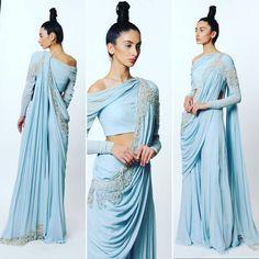 Indian Western Dress, Dress Indian Style, Western Dresses, Indian Dresses, Fancy Blouse Designs, Stylish Dress Designs, Saree Blouse Designs, Trendy Sarees, Stylish Sarees