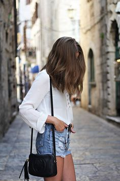 Style-telling travel adventures and food discoveries. Currently New York and SS's♡ Fashion blog:...