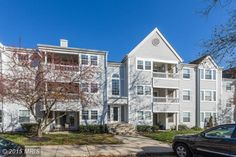 Lovely 2 bedroom, 2 bathroom Montgomery Run condo with new carpets, carpet and fresh paint. Master suite offers walk-in closet and master bath. The Family Room has sliders that opens to a comfortable deck - perfect for your morning coffee! Close to commuter routes, shopping, restaurants, schools and more!!