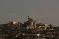 http://upload.wikimedia.org/wikipedia/commons/2/25/Castiglione_del_Lago_2.jpg
