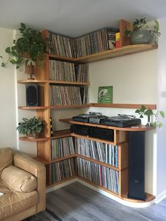 Custom built in vinyl shelving made from reclaimed Douglas Fir. Has a display shelf for what you're playing too. Vinyl Record Shelf, Record Cabinet, Display Shelves, Shelving, Lp Regal, Vinyl Room, Vinyl Storage, Lp Storage, Audio Room