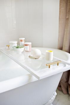 Bathe in luxury with this Lucite® acrylic bath caddy.
