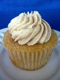 Snickerdoodle Cupcakes with Cinnamon Vanilla Buttercream by melba