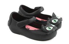 #minimelissa ultragirl kitty shoes http://www.yoyo-mom.com/en/here-kitty-kitty-the-mini-melissa-ultragirl-kitty-shoes/