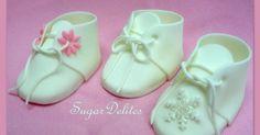 ~ Sugar Teachers ~ Cake Decorating and Sugar Art Tutorials: Ooooh Baby! Easy sugarpaste booties by Jen Dontz