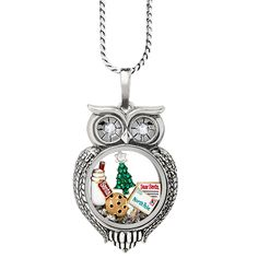 Happy OWLidays! Cozy up this winter with our Olivia Classic Living Locket® filled to the brim with our adorable and cheerful 2016 Seasonal Exclusive Holiday Charms.