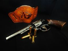 Men's custom leather gun holster by Vigilant Holsters a product of pinkpistolholsters.com