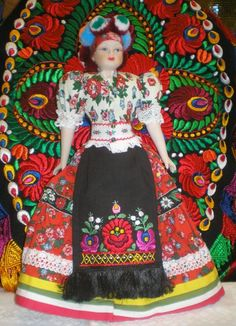 Matyo Baba J'avais exactement cette poupée .. environs 60 cm de haut. Hungary Travel, Mexico Culture, Hungarian Embroidery, Ancient Symbols, Barbie Collector, My Heritage, Folk Art, Girl Scouts, Budapest