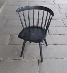 Shaker Chair Kabinett Vintage, Piper St, Kyneton