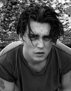 J.DEPP MEDIUM HAIR YOUNG