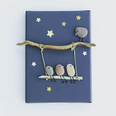 of the Best Creative DIY Ideas For Pebble Art Crafts Tableau galets oiseaux bois flotté fond ant Stone Crafts, Rock Crafts, Fun Crafts, Diy And Crafts, Arts And Crafts, Art Pierre, Creation Deco, Rock Design, Sea Glass Art