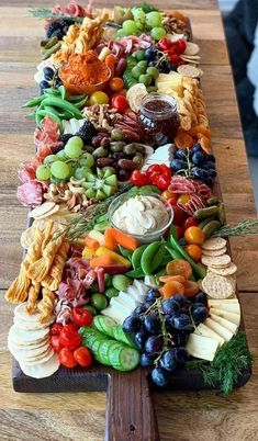 Charcuterie Recipes, Charcuterie And Cheese Board, Charcuterie Platter, Cheese Boards, Cheese Board Display, Charcuterie Wedding, Antipasto Tray, Meat Cheese Platters, Charcuterie Display