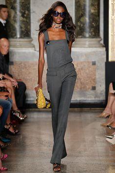 Emilio Pucci Primavera-Verão 2015 - Prêt-à-porter Suit Fashion, High Fashion, Fashion Show, Womens Fashion, Fashion Design, Milan Fashion, Emilio Pucci, Rainbow Fashion, Pretty Dresses
