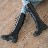 Jag tror du skulle gilla British Style Women's Knighthood Trendy Lace-up Knee-High White/Black Kinky Boot Shoes. Lägg till den i din önskelista!  http://www.wish.com/c/54ab83f6509baf3e966f7e83