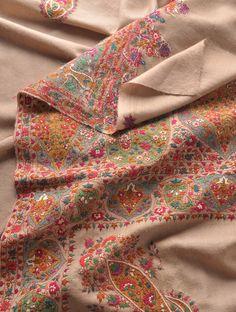 Beige Multi Color Superb Hand Embroidered Border And Palledar Large Kashmir Pashmina Shawl Shawls Embroidery Suits, Indian Embroidery, Embroidery Patterns, Hand Embroidery, Embroidery Stitches, Kashmiri Shawls, Kashmiri Suits, Indian Textiles, Indian Fabric