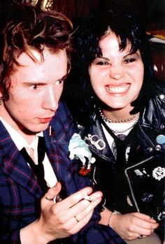 theunderestimator: Johnny Rotten and Joan Jett in photographed in their early by Jenny Lens as young and carefree punk rock brats, so unaware of their furure impact on rock`n`roll history. The 10 most popular posts of 2014 on The Underestimator: No 4 Johnny Rotten, New Wave, Pop Punk, Musica Mantra, Music Is Life, My Music, Music Mix, Photo Rock, Le Couple Parfait