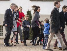 Primer gran homenaje popular: la reina Margarita sale con toda su familia al balcón de Amalienborg