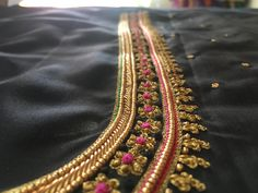 Wedding Saree Blouse Designs, Best Blouse Designs, Simple Blouse Designs, Embroidery Designs, Hand Embroidery, Tambour Embroidery, Simple Embroidery, Indian Embroidery, Embroidery Dress