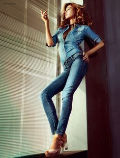 Miss Sixty - Fashions Collection Demin on Demin Belen Rodriguez, Sexy Jeans, Skinny Jeans, Sexy Outfits, Casual Outfits, Miss Sixty Jeans, Denim Top, Denim Shirts, Blue Denim