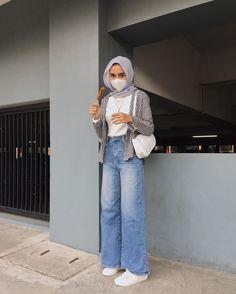 Modest Fashion Hijab, Street Hijab Fashion, Casual Hijab Outfit, Muslim Fashion, Casual Outfits, Modern Hijab Fashion, Winter Fashion Outfits, Mode Hijab, Ideas