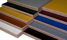 Productoverzicht van betonplex platen in diverse kleuren en uitvoeringen.
