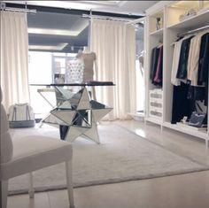 """PATRICK HELLMANN : Preciosa boutique realizada por De la Torre Group para la prestigiosa firma Patrick Hellmann ... """"RECORD TIME LUXURY WORKS""""  ////  PATRICK HELLMANN: Super luxury boutique made by De la Torre Group for top company Patrick Hellmann ... """"RECORD TIME LUXURY WORKS""""  Reformas de lujo en Marbella: http://www.delatorregroup.com/"""