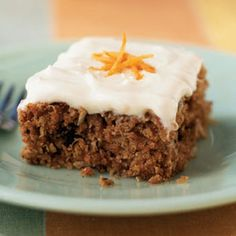 From Cooking Light: This lightened carrot cake recipe features a tender cake packed with grated carrot, flaked coconut, and chopped pecans. Just like a traditional carrot cake, this cake is topped with a thick cream cheese frosting. 13 Desserts, Desserts Sains, Best Dessert Recipes, Low Carb Desserts, Baby Food Recipes, Cake Recipes, Cooking Recipes, Easter Desserts, Dessert Ideas