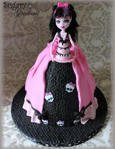 Draculaura Doll Cake