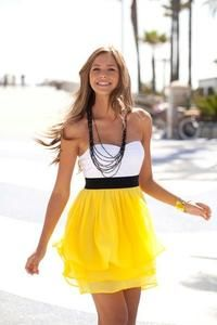 Cute summertime dress http://www.studentrate.com/fashion/fashion.aspx