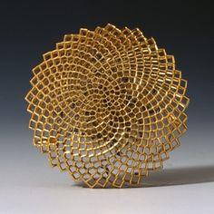 Circular brooch | 18ct gold and enamel | Giovanni Corvaja, 2012