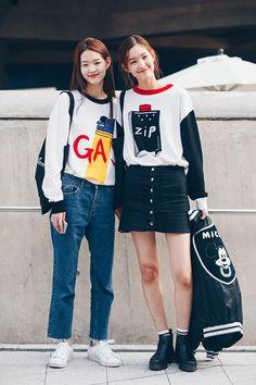 Top 40 StreetStyle Snaps From Seoul Fashion Week by Santosh Chhantyal                                                                                                                                                                                 Más